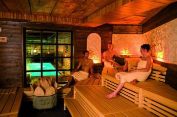 Die Saunawelt der Bali Therme erinnert an ein indonesisches Inselparadies.