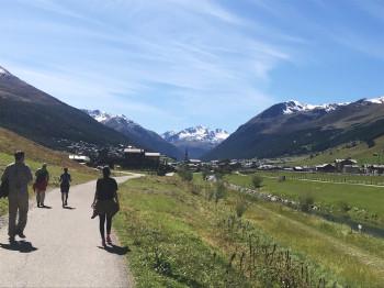 Livigno liegt auf 1.800 Metern Höhe eingebettet in die gleichnamige Alpengruppe.