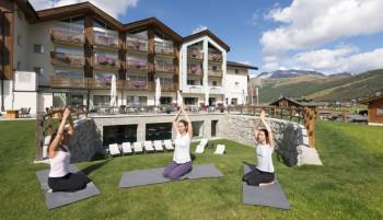 Hoher Komfort, Wellness, kulinarische Highlights und ein umfangreiches Aktivitäten-Programm erwartet die Gäste im Lac Salin SPA & Mountain Resort ****S.