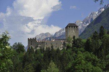 Schloss Bruck ist das Wahrzeichen von Lienz