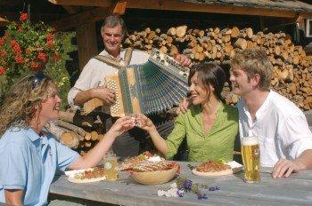 Auf den Osttiroler Hütten werden die Gäste kulinarisch verwöhnt