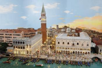 Seit Februar 2018 ist auch eine beeindruckende Mini-Version von Venedig im Miniatur Wunderland zu sehen.