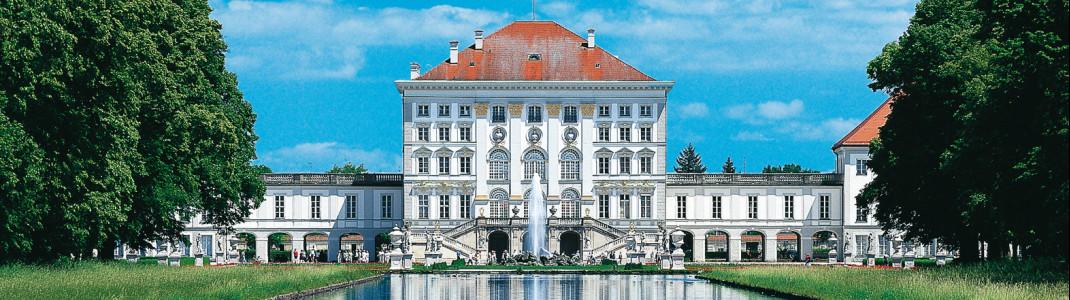 Prunkvolle Innenräume und ein idyllischer Schlosspark erwarten dich in Nymphenburg.