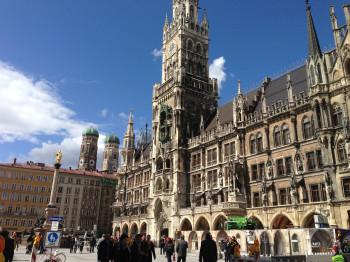 Das pulsierende Herz der Stadt: der Marienplatz