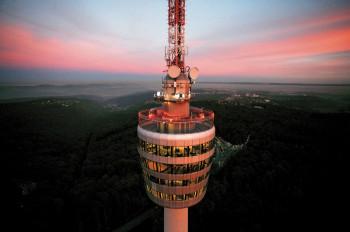 Cocktails trinken mit Panoramablick - das geht im Stuttgarter Fernsehturm.