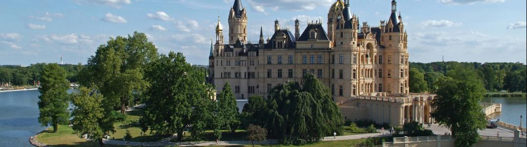 Schloss Schwerin ist definitiv eines der schönsten Schlösser Deutschlands und lohnt immer einen Besuch.
