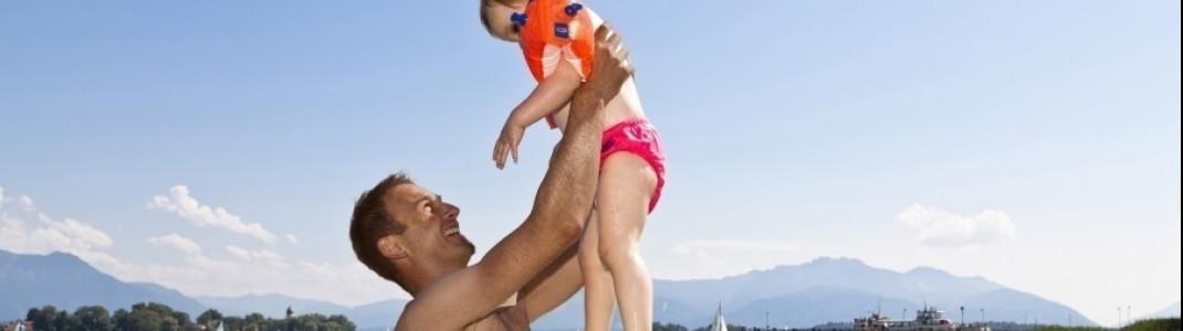 Am Chiemsee ist Spaß für große und kleine Wasserratten garantiert