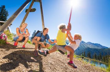 Spiel, Spaß und Action ist im Sunny Mountain Erlebnispark garantiert.