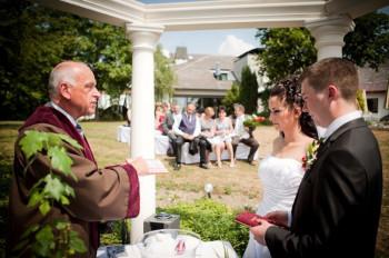 Im Hochzeitsdorf Wirsberg wird so gut wie immer irgendjemand verheiratet.