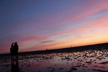 Wunderschöne Sonnenuntergänge gibt es über dem Wattenmeer.