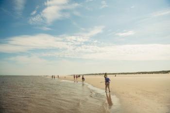 Juist hat einen 17 Kilometer langen Strand entlang seiner Nordseite.