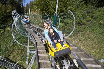 Nichts für schwache Nerven ist der Arena Coaster in der Zillertal Arena.