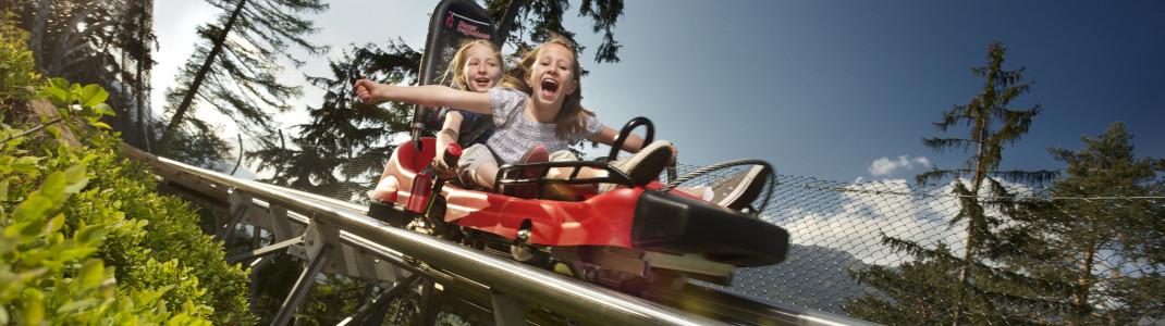 Kinder ab acht Jahren dürfen ohne Begleitung eines Erwachsenen mit dem Osttirodler in Lienz fahren.