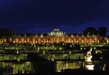 Im Rahmen der Potsdamer Schlössernacht wird Sanssouci herrlich beleuchtet