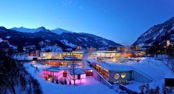 Beeindruckendes Bergpanorama hat die Alpentherme Gastein zu bieten