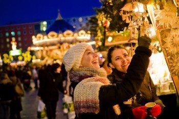 Die Weihnachtsmärkte laden zum gemütlichen Flaniern ein - wie hier in Leipzig