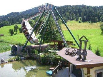 Das Piratenschiff im Erlebnispark Familienland Pillersee.