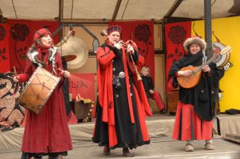 Minnesänger statt Engels-Chor: In Siegburg dreht sich vor Weihnachten alles um die Zeit des Mittelalters