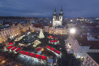 One of Prague's Crhistmas market is situated right at the centre at Old Town Square.