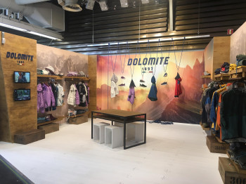By now, Dolomite has designed its own lifestyle line for the urban lifestyle.