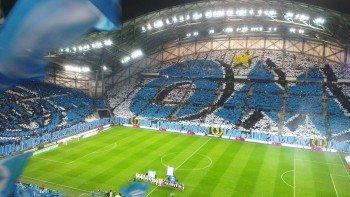 Eine Fanchoreographie im Stade Vélodrome, April 2015