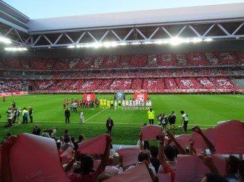 Das ausverkaufte Stade Pierre-Mauroy während des Eröffnungsspiels zwischen dem OSC Lille und dem AS Nancy