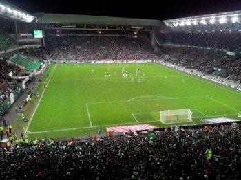 Blick auf das Spielfeld und den Innenraum des ältesten Stadions der EM 2016