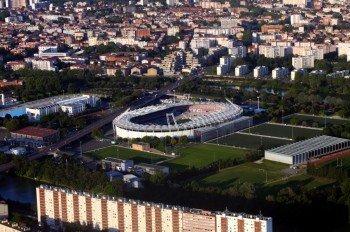 Das Stadium Municipal steht inmitten der Stadt Toulouse und ist über die Autobahn sehr gut zu erreichen