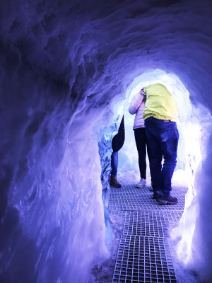 There are plenty of things to learn about ice caves when visiting the man-made ice cave at Perlan Museum.