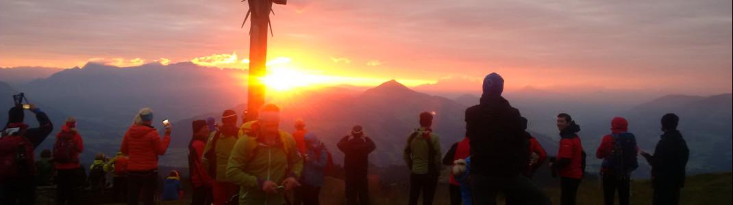 Großes Highlight der Wanderung: Der Sonnenaufgang auf dem Berggipfel.