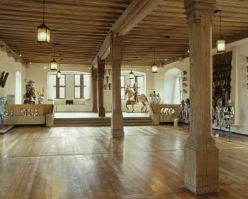 Eine wichtige Rolle spielt beim Ausstellungsrundgang auf der Veste auch die Große Hofstube. Sie war der Festsaal der Fürstenresidenz.