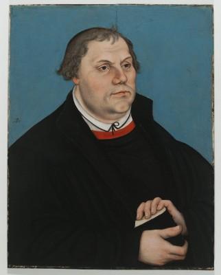 Auch eines der berühmtesten Porträts von Martin Luther, entstanden um 1540 in der Werkstatt von Lucas Cranach dem Älteren, ist in der Bayerischen Landesausstellung zu sehen.