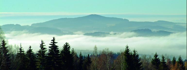 Blick über die Berge nahe Breitenberg