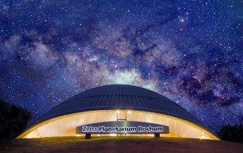 Im Planetarium im Boschum kannst du die Weiten des Alls erkunden.