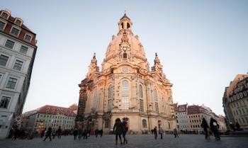 Die Frauenkirche in Dresden wurde nach dem Krieg zu einem Symbol der Friedensbewegung.