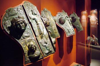 Auch Rüstungen sind Teil des Römerschatzes in Straubing.