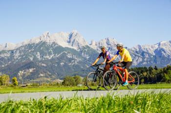 Ob Familien-Auszeit, romantische Tage zu zweit oder ein actionreicher Bike-Trip: Im SalzburgerLand gibt's für jeden das passende Angebot.