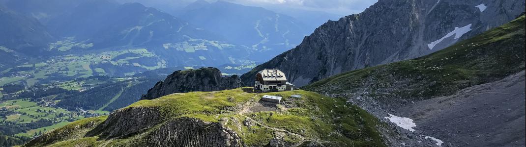 Top-Wanderhotels und Hütten entlang der Route sorgen für die passende Unterbringung und Verpflegung.