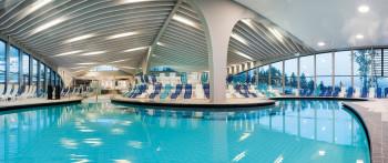 Das StuBay in Telfes punktet mit großen Schwimmbecken, actionreichen Wasserrutschen und einem tollen Wellness-Bereich.