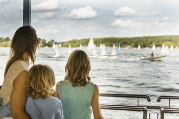If the weather is nice, don't miss out on a trip to Wannsee when you're in the area.