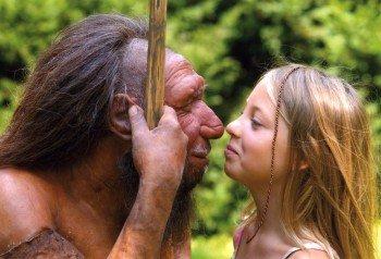 Aug' in Aug' mit einem Neanderthaler: Das ist im gleichnamigen Museum in Düsseldorf möglich.
