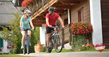 Fahrräder können oft auf den Höfen ausgeliehen werden.