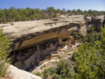 Die Felsensiedlungen von Mesa Verde gehören zum UNESCO Welterbe