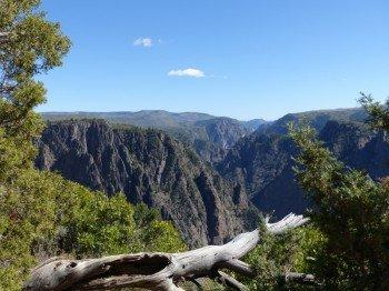 Der Black Canyon of the Gunnison ist bis zu 823 Meter tief