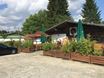 Das Loipenstüberl mit Biergarten in Altreichenau