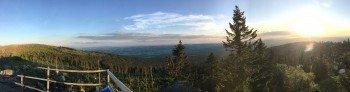 Wer das Panorama am Dreisessel genießen möchte muss rund 400 weitere Höhenmeter bis zum Gipfel überwinden