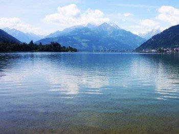 Unterwegs genießt du herrliche Ausblicke, wie hier auf das Kitzsteinhorn.