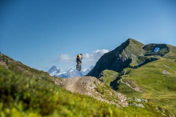 Ein flowiger Trail mit Traumpanorama.