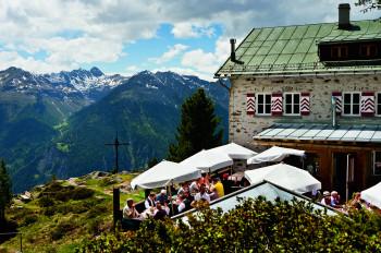An der Bielefelder Hütte liegt der höchste Punkt der Tour.