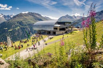 An der Mittelstation der Gaislachkoglbahn liegt der höchste Punkt der Radtour.